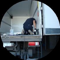 Восстановление покрытия пола фургона